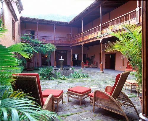 Hotel La Quinta Roja
